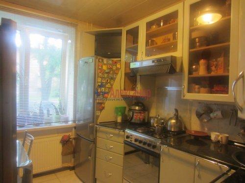 3-комнатная квартира (55м2) на продажу по адресу Сестрорецк г., Реки Сестры наб., 11— фото 1 из 6