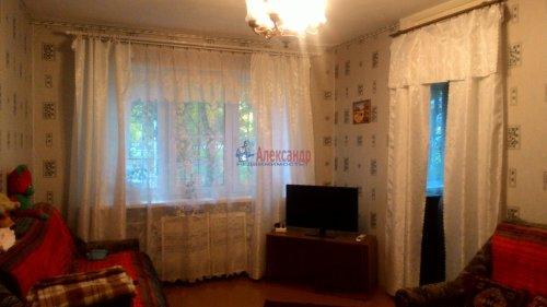 2-комнатная квартира (44м2) на продажу по адресу Кириши г., Романтиков ул., 13— фото 1 из 7