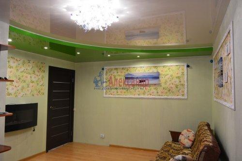 2-комнатная квартира (44м2) на продажу по адресу Колпино г., Лагерное шос., 55— фото 3 из 24
