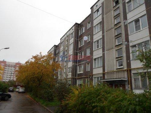 2-комнатная квартира (55м2) на продажу по адресу Коммунар г., Бумажников ул., 5— фото 1 из 9