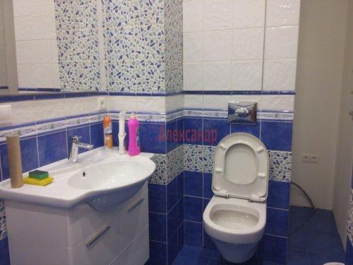 2-комнатная квартира (80м2) на продажу по адресу Просвещения просп., 99— фото 12 из 13