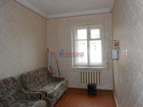 Комната в 3-комнатной квартире (81м2) на продажу по адресу Волхов г., Советская ул., 5— фото 2 из 3