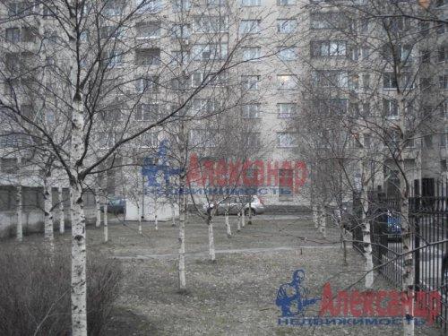 2-комнатная квартира (69м2) на продажу по адресу Науки пр., 19— фото 10 из 10