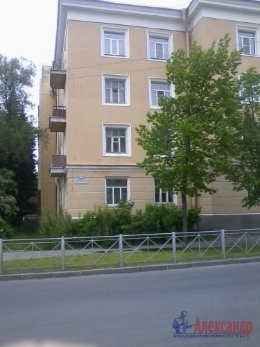 2-комнатная квартира (61м2) на продажу по адресу Ломоносов г., Александровская ул., 20/16— фото 1 из 2