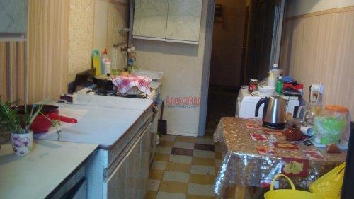 Комната в 3-комнатной квартире (68м2) на продажу по адресу Невский пр., 113/4— фото 4 из 12