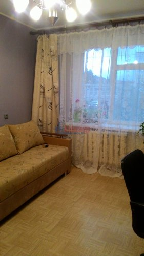 3-комнатная квартира (67м2) на продажу по адресу Кириши г., Нефтехимиков ул., 26— фото 3 из 6