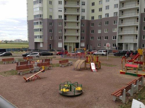 2-комнатная квартира (51м2) на продажу по адресу Бугры пос., Полевая ул., 16— фото 2 из 10