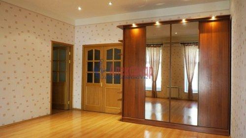 2-комнатная квартира (120м2) на продажу по адресу 5 линия В.О., 34— фото 1 из 24