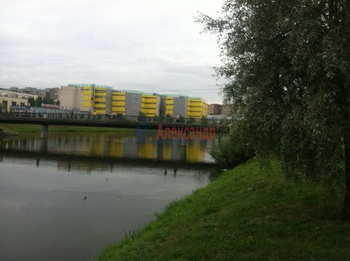 3-комнатная квартира (59м2) на продажу по адресу Бурцева ул., 22— фото 3 из 3