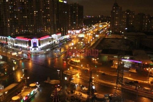 3-комнатная квартира (98м2) на продажу по адресу Коломяжский пр., 26— фото 1 из 8
