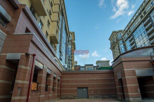 4-комнатная квартира (156м2) на продажу по адресу Варшавская ул., 66— фото 7 из 25