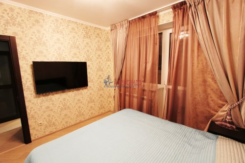 2-комнатная квартира (64м2) на продажу по адресу Белы Куна ул., 1— фото 4 из 16
