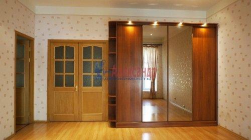2-комнатная квартира (120м2) на продажу по адресу 5 линия В.О., 34— фото 2 из 24