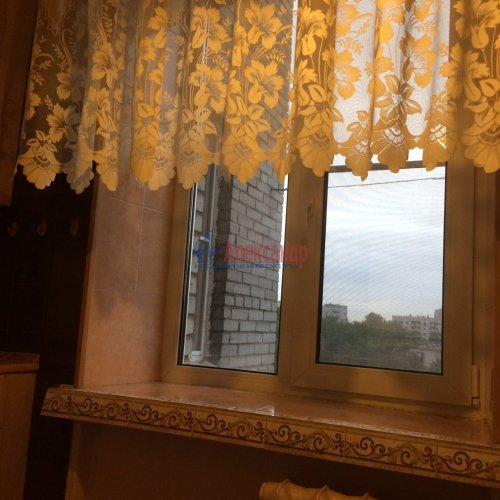 3-комнатная квартира (60м2) на продажу по адресу Славы пр., 30— фото 4 из 10