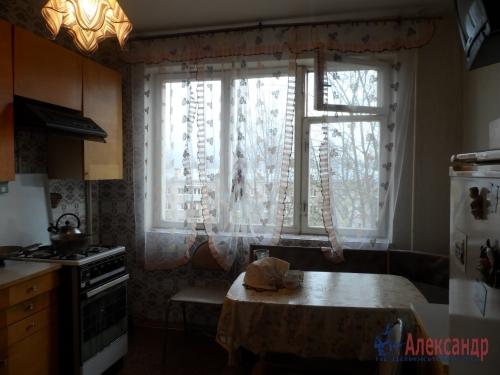 3-комнатная квартира (73м2) на продажу по адресу Коммунар г., Куралева ул., 15— фото 3 из 8