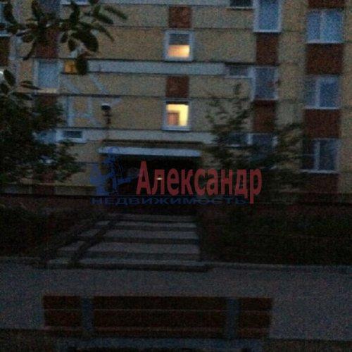 1-комнатная квартира (37м2) на продажу по адресу Свердлова пгт., Западный пр-д., 3— фото 1 из 12