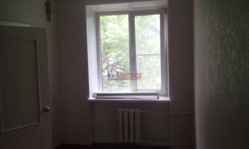 2-комнатная квартира (43м2) на продажу по адресу Волхов г., Молодежная ул., 12— фото 8 из 8