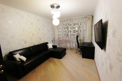 2-комнатная квартира (64м2) на продажу по адресу Белы Куна ул., 1— фото 1 из 16