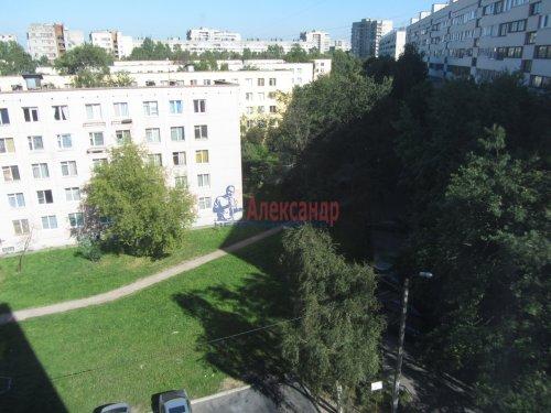 5-комнатная квартира (71м2) на продажу по адресу Бухарестская ул., 78— фото 1 из 16