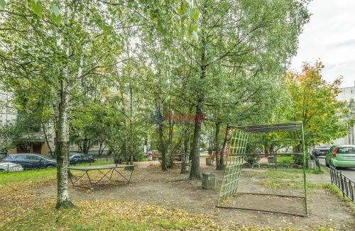 3-комнатная квартира (65м2) на продажу по адресу Купчинская ул., 33— фото 17 из 18