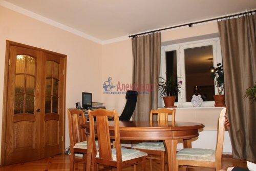 3-комнатная квартира (98м2) на продажу по адресу Коломяжский пр., 26— фото 3 из 8