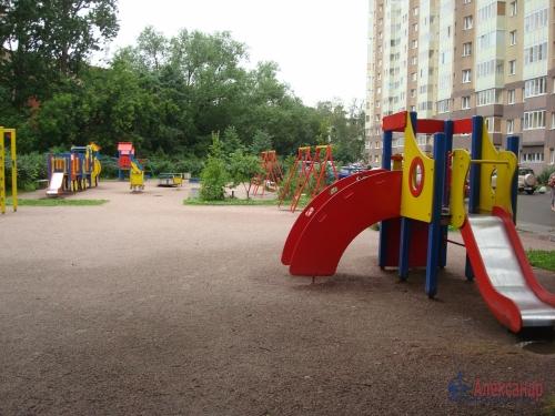 3-комнатная квартира (100м2) на продажу по адресу Ново-Александровская ул., 14— фото 8 из 31