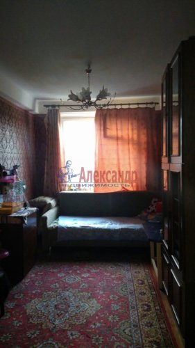 3-комнатная квартира (58м2) на продажу по адресу Добровольцев ул., 48— фото 1 из 9
