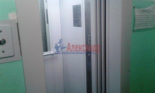 3-комнатная квартира (59м2) на продажу по адресу Светлановский просп., 46— фото 6 из 17