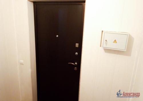 1-комнатная квартира (31м2) на продажу по адресу Свердлова пгт., Западный пр-д., 15— фото 7 из 7