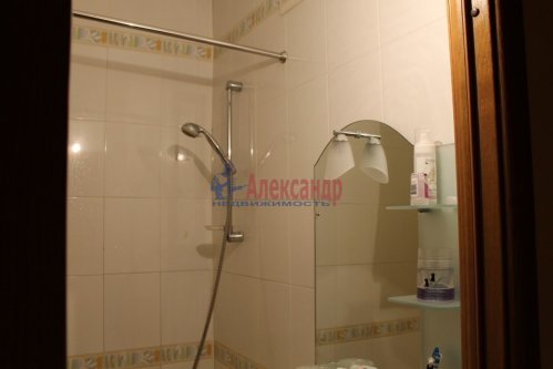 3-комнатная квартира (98м2) на продажу по адресу Коломяжский пр., 26— фото 8 из 8