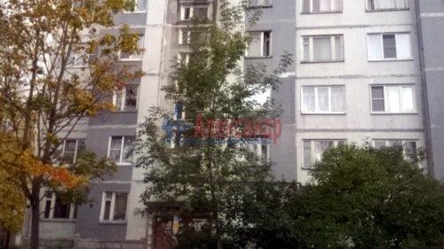 1-комнатная квартира (36м2) на продажу по адресу Коммунар г., Гатчинская ул., 1а— фото 1 из 3