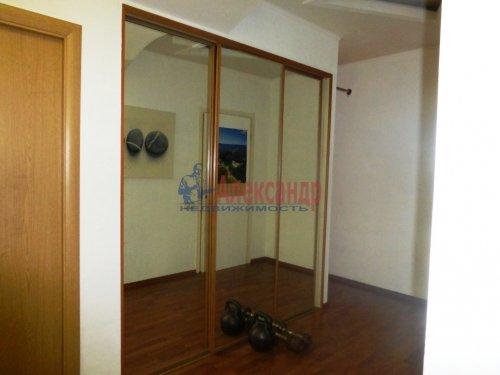 3-комнатная квартира (84м2) на продажу по адресу Старо-Петергофский пр., 10— фото 9 из 14