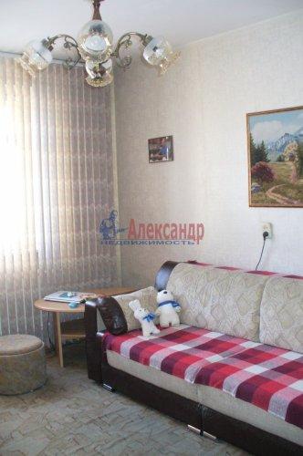 3-комнатная квартира (70м2) на продажу по адресу Шлиссельбургский пр., 18— фото 1 из 6
