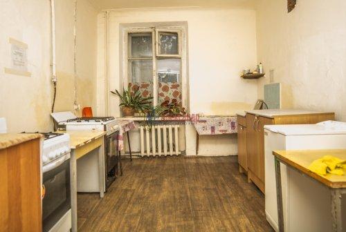 Комната в 10-комнатной квартире (285м2) на продажу по адресу Савушкина ул., 80— фото 6 из 7