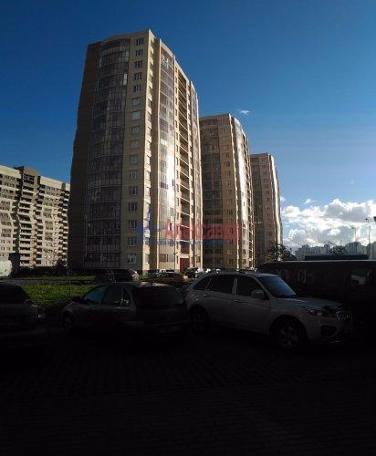 1-комнатная квартира (38м2) на продажу по адресу Мурино пос., Шоссе в Лаврики ул., 83— фото 3 из 14