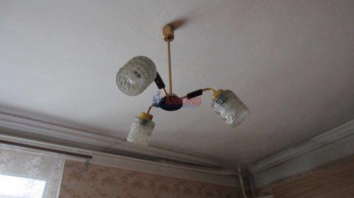 Комната в 8-комнатной квартире (141м2) на продажу по адресу Малодетскосельский пр., 32— фото 6 из 13