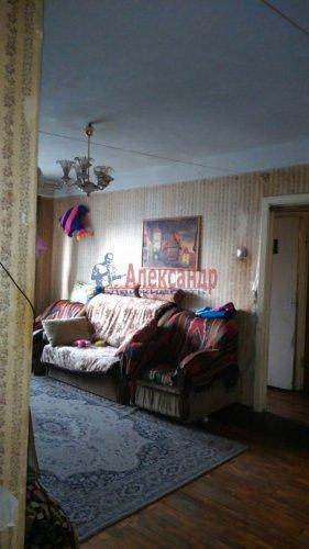 3-комнатная квартира (58м2) на продажу по адресу Добровольцев ул., 48— фото 3 из 9