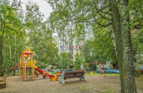 3-комнатная квартира (65м2) на продажу по адресу Купчинская ул., 33— фото 18 из 18