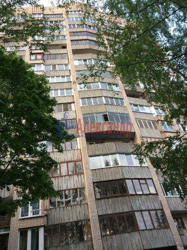 3-комнатная квартира (70м2) на продажу по адресу Художников пр., 13— фото 2 из 18