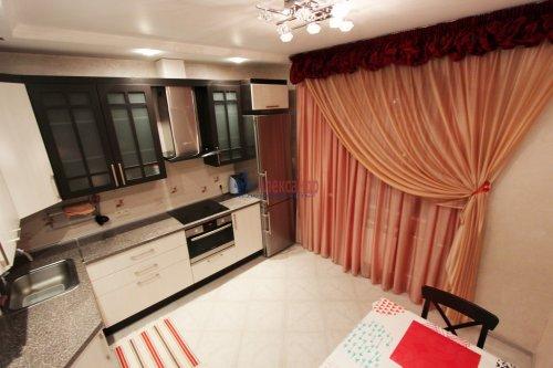 2-комнатная квартира (64м2) на продажу по адресу Белы Куна ул., 1— фото 6 из 16