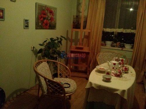 Комната в 9-комнатной квартире (187м2) на продажу по адресу Купчинская ул., 4— фото 1 из 9