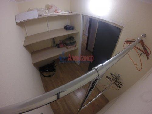 2-комнатная квартира (69м2) на продажу по адресу Шушары пос., Пушкинская ул., 48— фото 7 из 16
