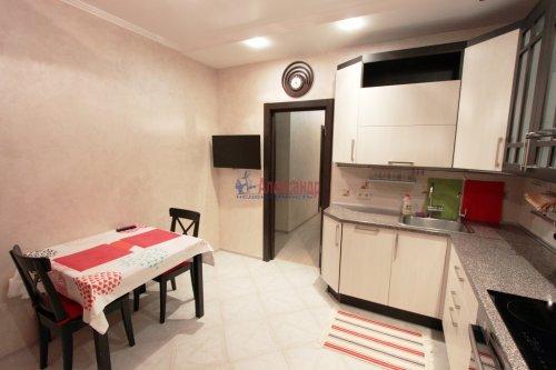 2-комнатная квартира (64м2) на продажу по адресу Белы Куна ул., 1— фото 7 из 16