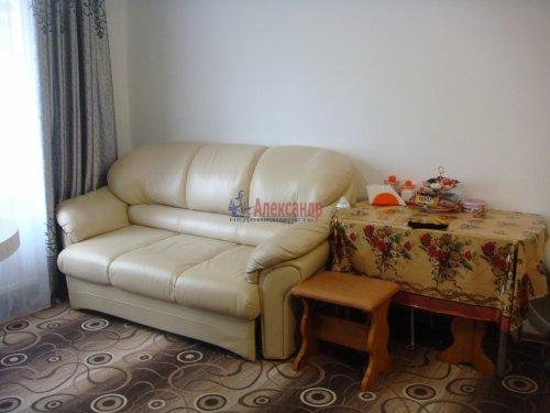 2-комнатная квартира (56м2) на продажу по адресу Ленинский пр., 74— фото 4 из 6