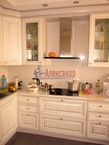 2-комнатная квартира (69м2) на продажу по адресу Ленинский пр., 84— фото 8 из 8
