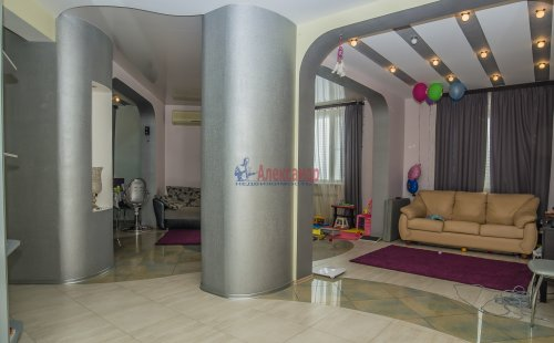 3-комнатная квартира (123м2) на продажу по адресу Савушкина ул., 36— фото 3 из 19
