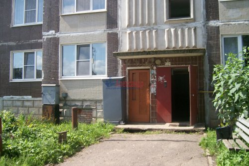1-комнатная квартира (38м2) на продажу по адресу Оредеж пос., Карла Маркса ул., 10— фото 2 из 14
