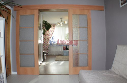 2-комнатная квартира (50м2) на продажу по адресу Искровский пр., 30— фото 6 из 10