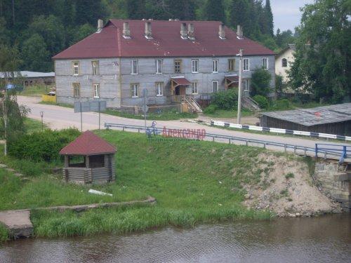 2-комнатная квартира (49м2) на продажу по адресу Куркиеки пос., Заречная ул., 2— фото 2 из 4