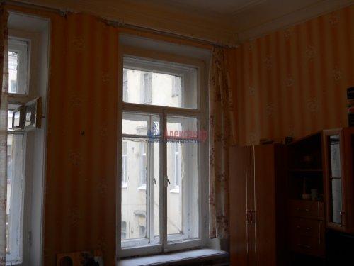Комната в 9-комнатной квартире (240м2) на продажу по адресу Мытнинская ул., 9— фото 6 из 20